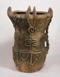 深鉢形土器(ふかばちがたどき)長野県伊那市宮ノ前出土、縄文時代(中期)・前3000~前2000年 東京国立博物館蔵
